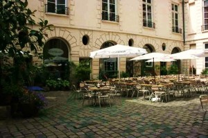 Courtyard seating at The Studio Restaurant