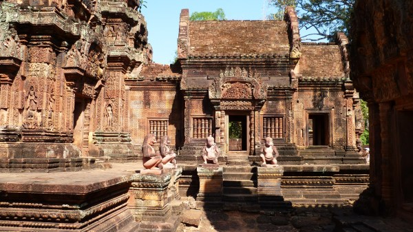 Interior courtyard of Banteay Srei.