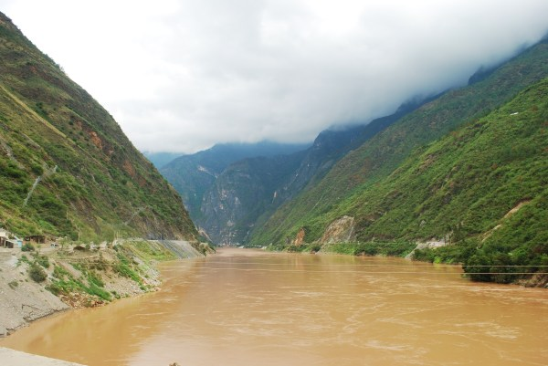 View from the banks of Tiger Leaping Gorge
